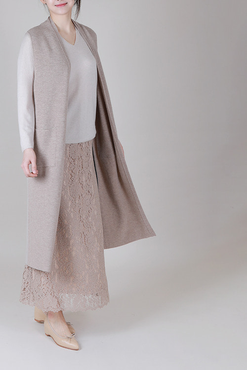 17FW classic lace maxi skirt -beige